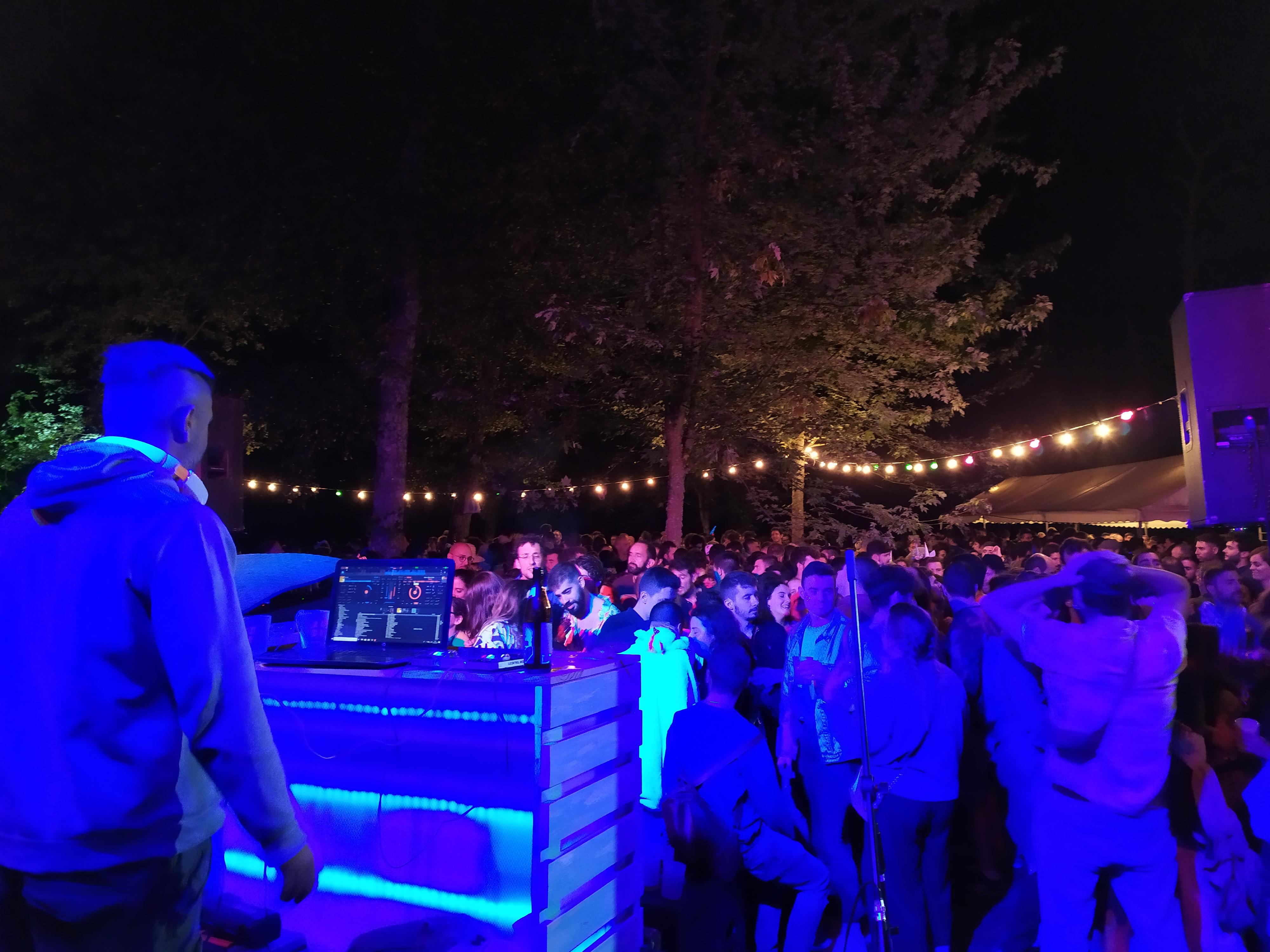 Baile con DJ na Peneda