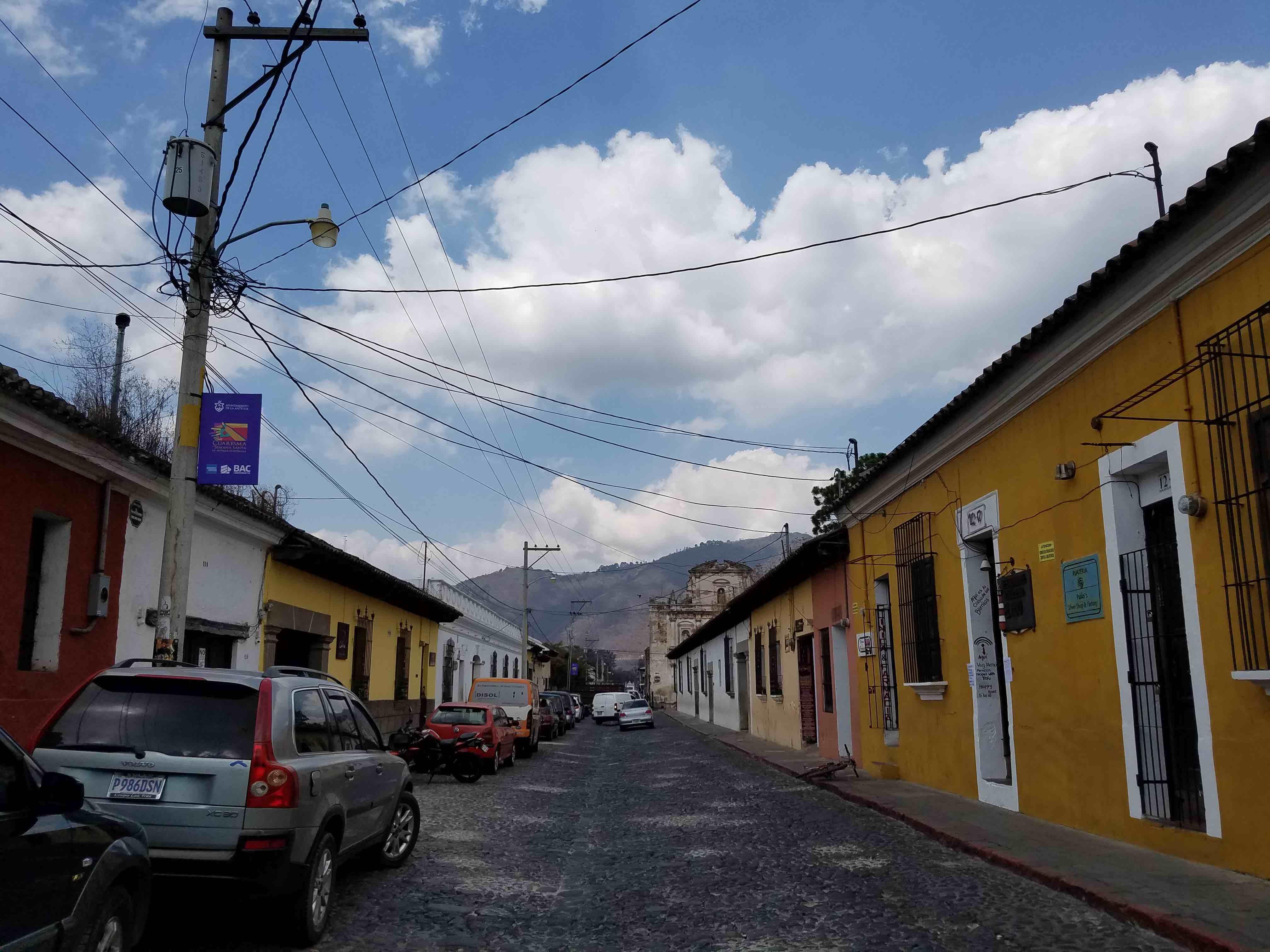 Toque de queda en Antigua Guatemala